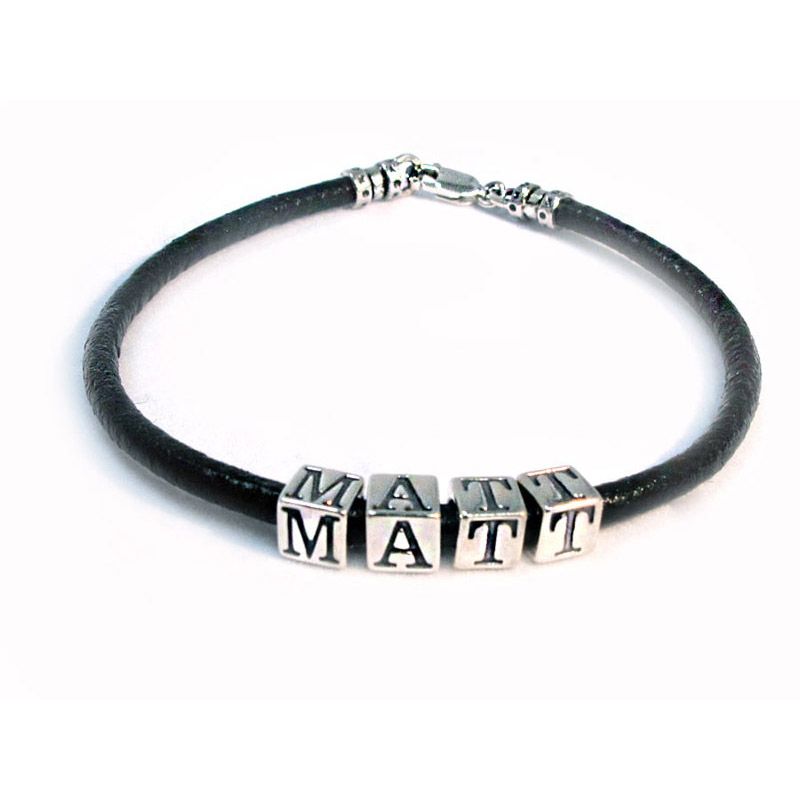 name wristband in leather and silver matt design